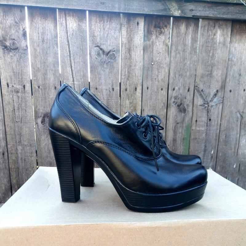 b1e98aecd Кожаные черные туфли на каблуке и с маленькой платформой, цена - 350 ...