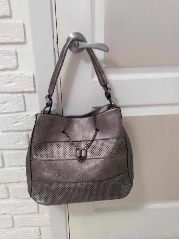 7d6ff0ee3bfc Шикарная качественная сумка из новой коллекции, цвет серебро, цена ...