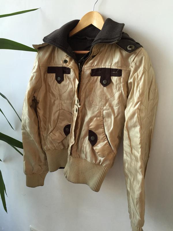 62eb7ce68c81d Курточка двухсторонняя (коричневая и золотая) покупай 2 вещи ,третья в  подарок !