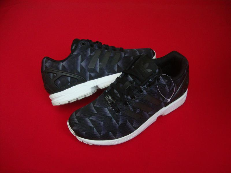 genuine shoes on feet at famous brand Кроссовки adidas zx flux print оригинал 38-39 размер (Adidas) за 1460 грн.