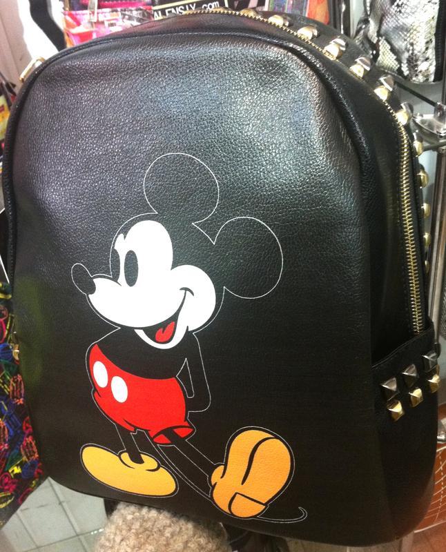Рюкзак микки маус купить рюкзаком можно отправиться спорткомплекс свидание любимой девушкой футбольный матч ведь