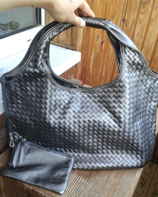 7ac3a7f267fe ... Оригинальная вместительная серебристая сумка с косметичкой princesse marina  de bourbon3 фото ...