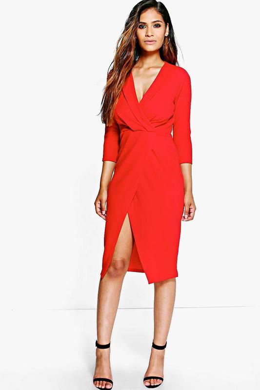 95de960ddd5e214 Фактурное красное платье миди на запах с интригующим разрезом1 фото ...