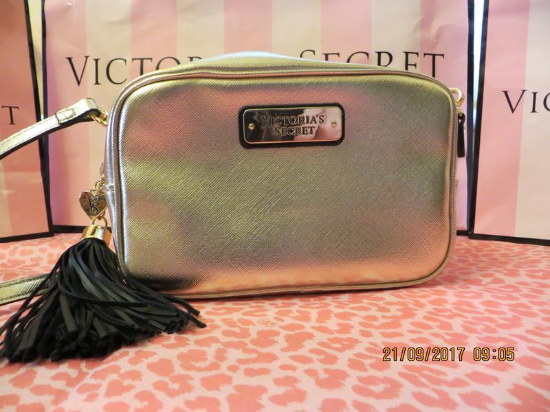 ce70d3e2c028 Маленькая сумочка vs золотого цвета. Victoria's Secret, цена - 500 ...