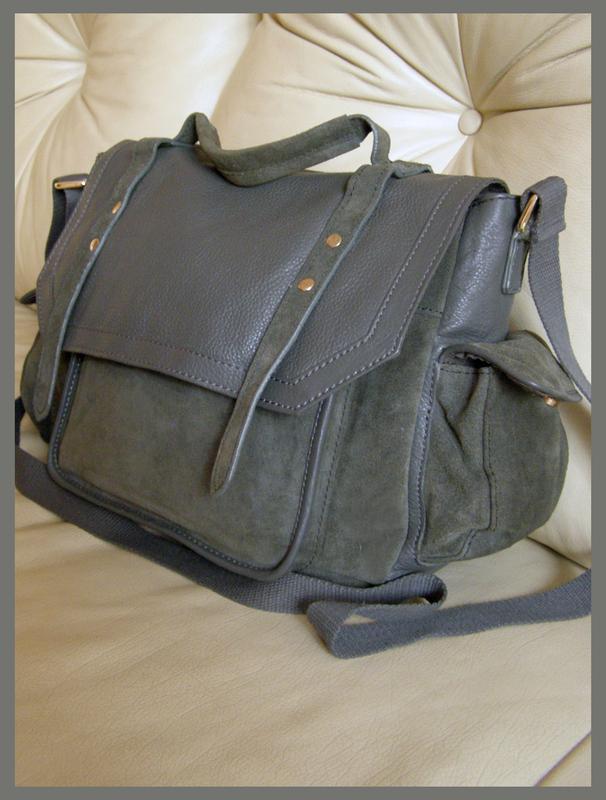 22d1775a9172 Vip крутая объемная замшевая + кожаная сумка портфель – франция ASOS ...