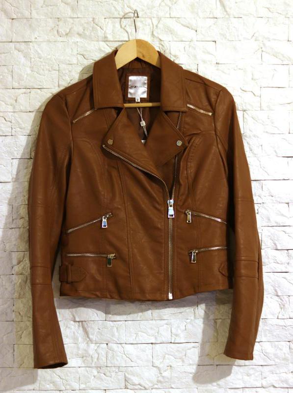c2d341de1e5 Женская коричневая куртка косуха piazza italia Piazza Italia