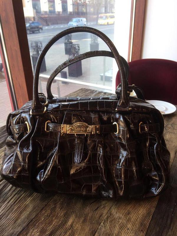 f5b35bb92379 Яркая лаковая сумка, цена - 50 грн, #7785678, купить по доступной ...