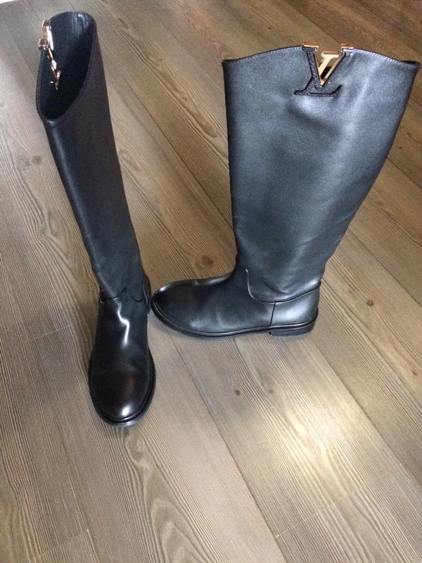 Кожаные сапоги louis vuitton Louis Vuitton, цена - 1500 грн ... 1bb939ed639