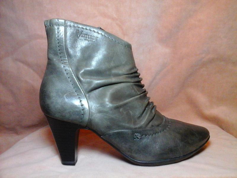 4945ceac2eb0 Кожаные сапоги ботильоны ботинки полусапожки Venturini, цена - 550 ...