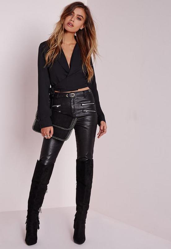 45751601d85 Нарядная вечерняя черная укороченная блуза с глубоким декольте на запах  marks spencer1 фото ...