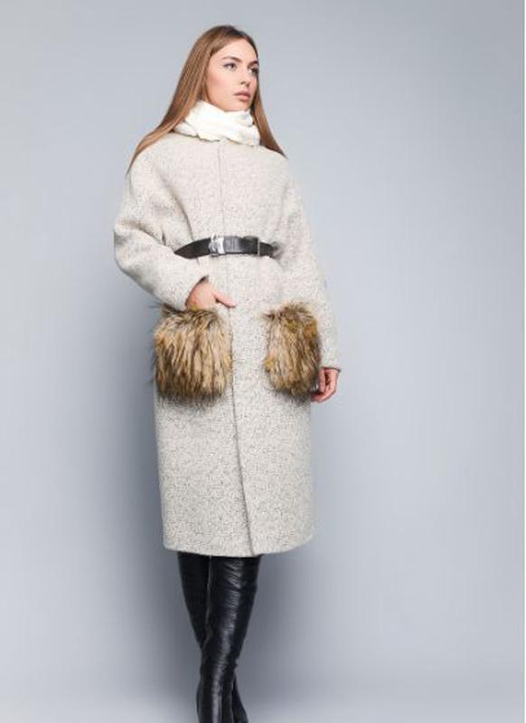 00a7007943a Длинное зимнее шерстяное пальто с мехом на карманах. мех чернобурка. теплое  в кежуал стиле1 ...