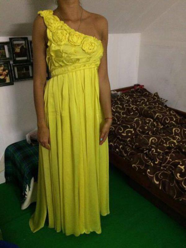 81342eaad08 Красивое желтое платье в пол1 ...