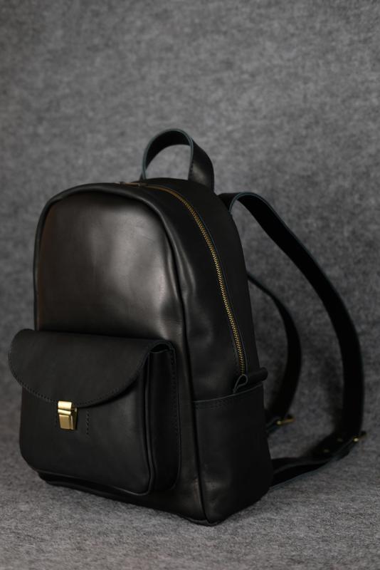 ec7bbb80b358 ... Черный кожаный рюкзак среднего размера с потайным карманом k00028-64  фото ...