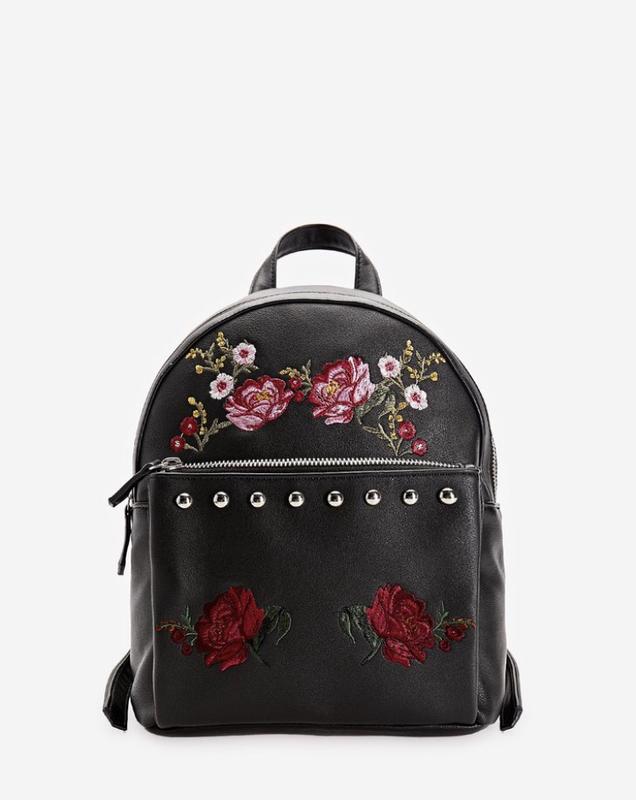4769fa6fe343 Рюкзак с цветочной вышивкой с шипами кнопками страдивариус stradivarius1  фото ...