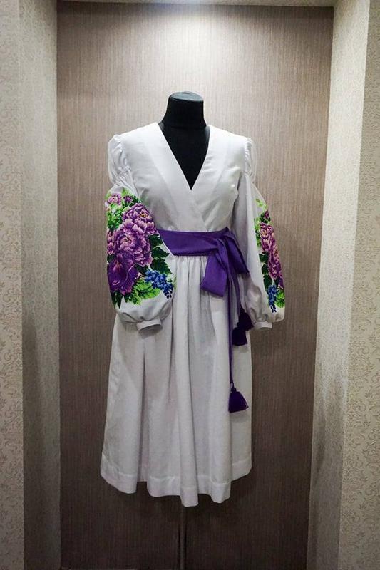 Ексклюзивне вишите плаття на домотканому полотні1 ... 0d87d8bbf68c5