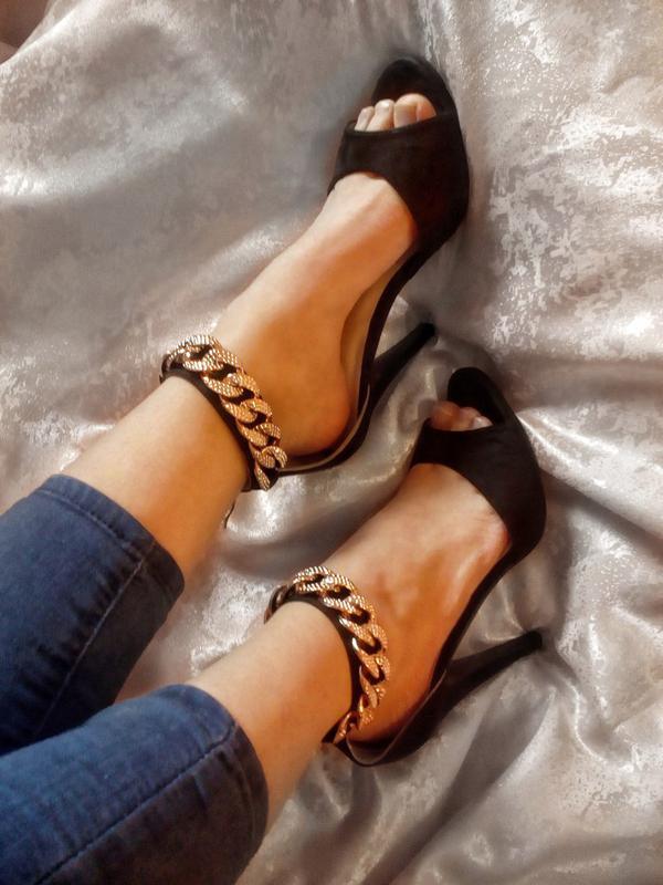 Стильні босоніжки на каблуку (Belle Women) за 275 грн.  011887335a964