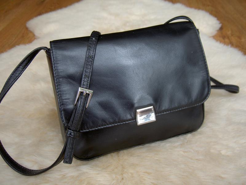 20fb6203455e Актуальная кожаная сумка через плечо debenhams. кроссбоди DEBENHAMS ...