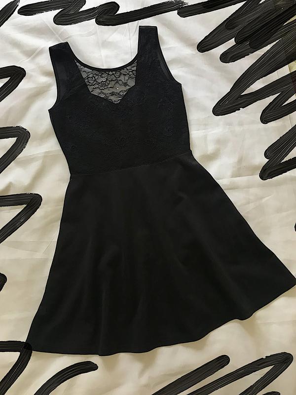 Шикарне плаття з відкритою спиною1 ... 365ef9ae47ea6