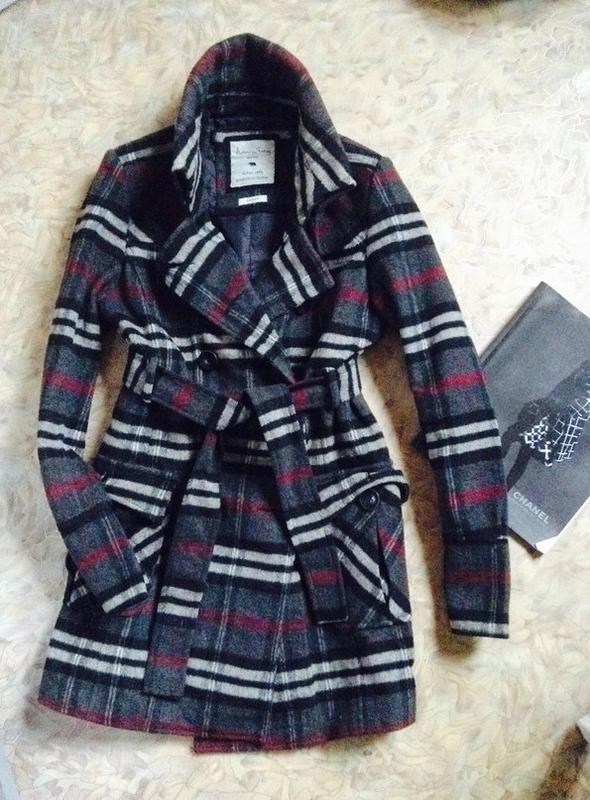 c7db433980d1 Фирменное пальто в клетку под burberry, цена - 399 грн,  1104762 ...