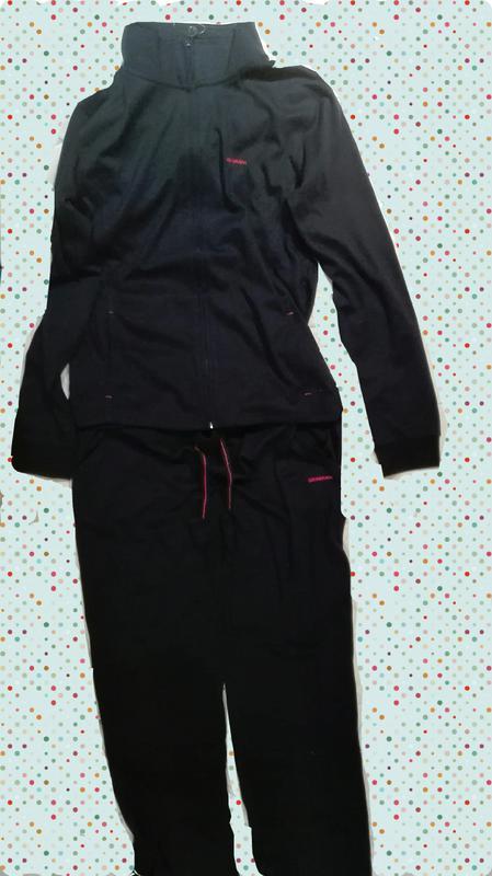 Класний спортивний костюм фірми boomerang 91eef99a8a9e6