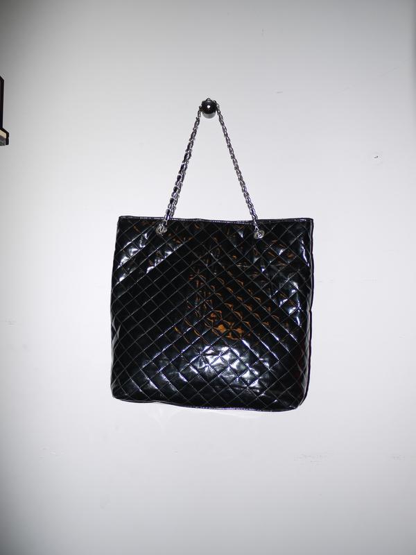 ae15a028c327 Лаковая сумка а-ля шанель . черная . большая ., цена - 300 грн ...