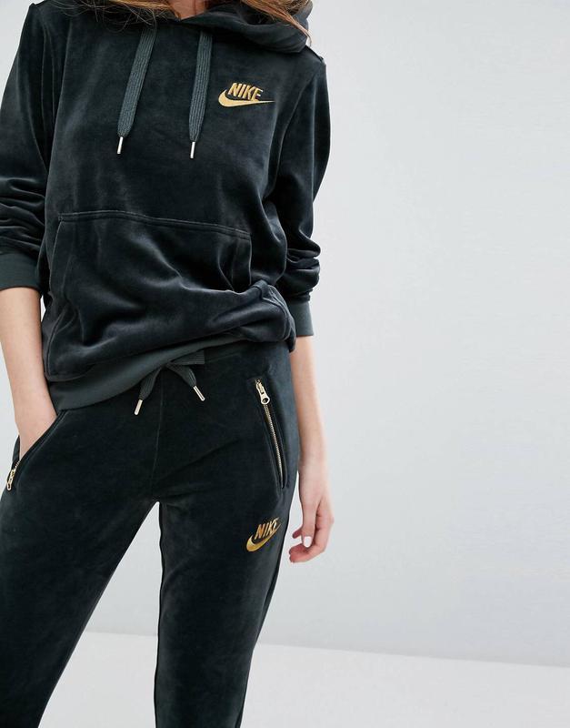Nike костюм женский бархат м оригинал Nike, цена - 2999 грн ... f7e1058a1e7