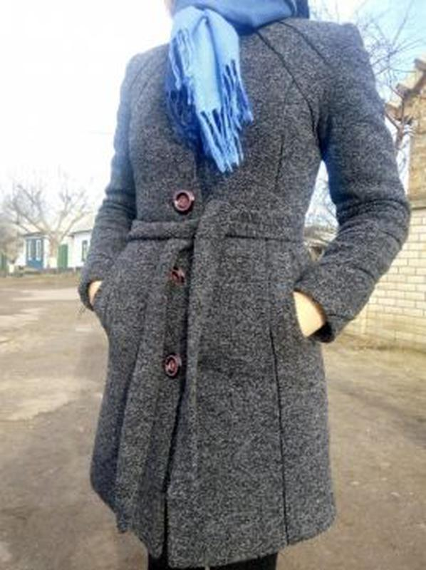 Продаю зимнее пальто. 44 размер. есть капюшон с мехом.1 ... ddce44061e1b5