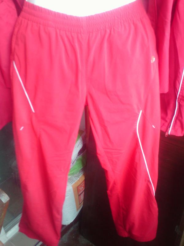 ed8c5dd1 Красные спортивные штаны для девочки 12 лет, есть к ним куртка1 фото ...