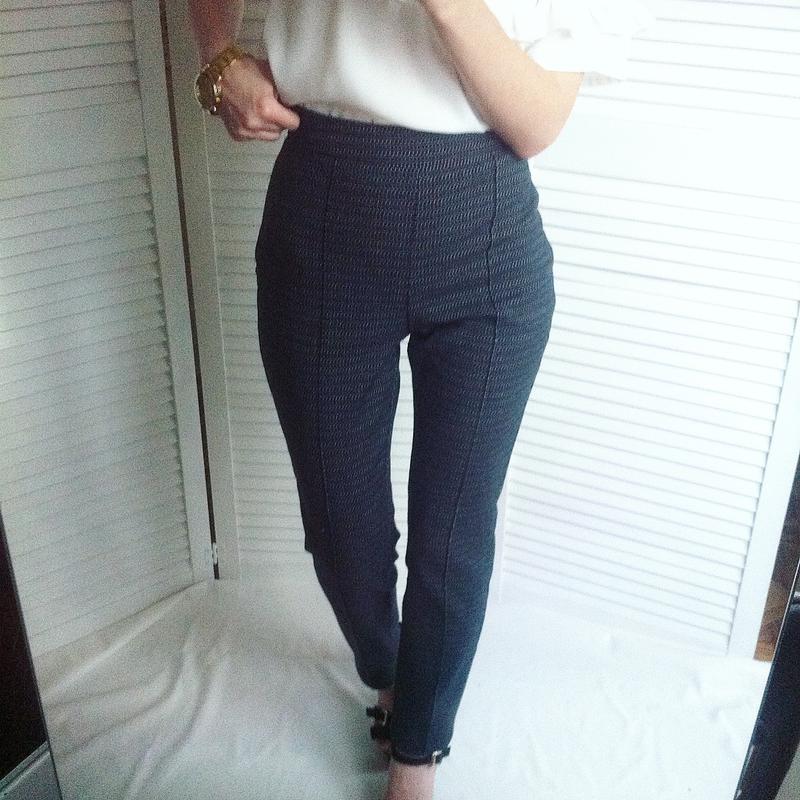 Класичні завужені брюки з високою посадкою від mango Mango 331d9b2b83fb1