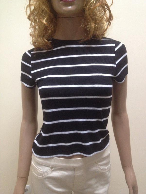 Укорочений топ футболка чорний в білі тонкі полоски Atmosphere 7971b18a87731
