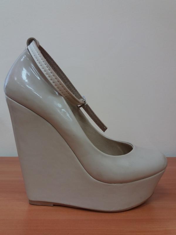 Туфлі шкіряні лакові ALDO 5014dd90dd425