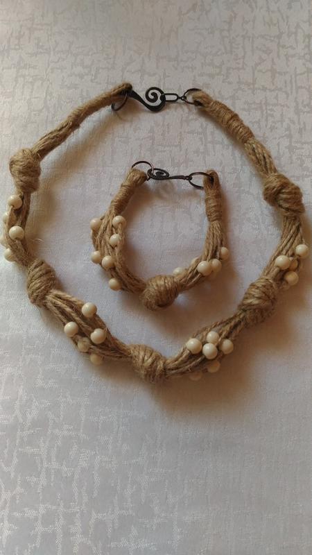 Набір коралі і браслет з лляної нитки Ручная Работа 92611c432abae