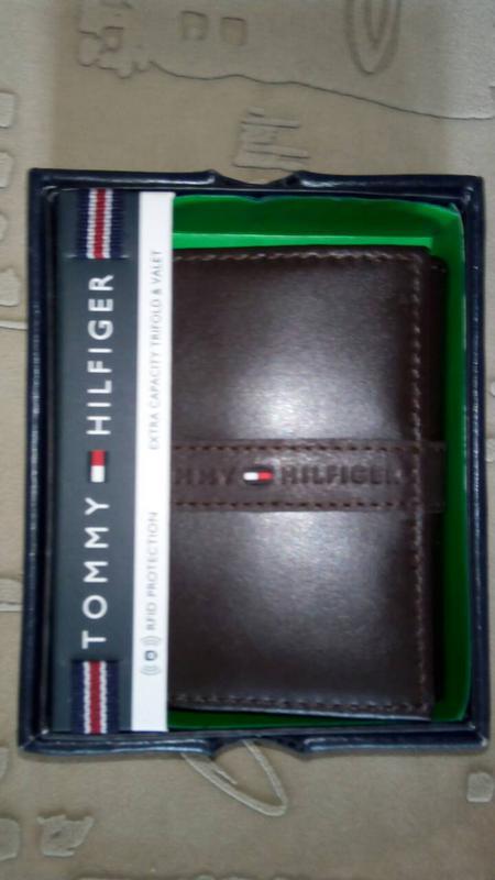 64eb75b42edb Кожаный кошелек tommy hilfiger фирменный портмоне оригинал из сша1 ...