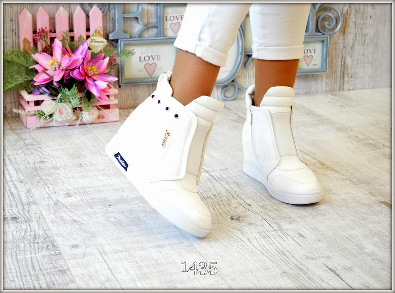 b51f33b2292c Женские белые сникерсы удобные легкие 36,37,38,39,40,41 за 540 грн.   Шафа