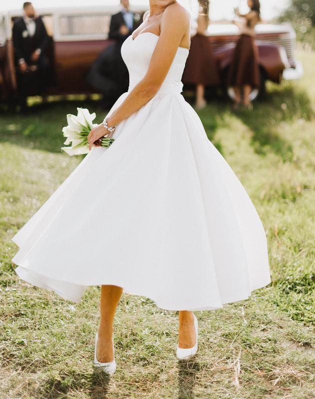 66f482089e7 Свадебное платье миди колокольчек кружева атлас Victoria Bloom