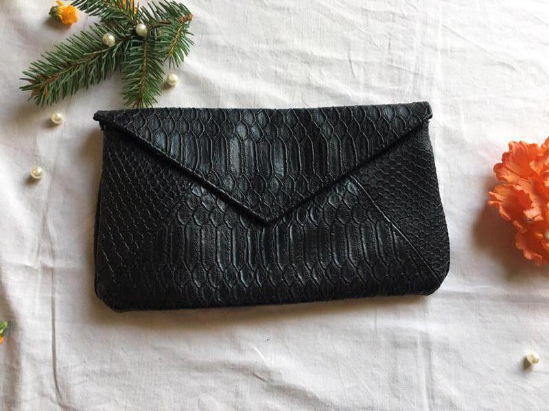 Bay сумочка клатч конверт с имитацией кожи питона новая, цена - 200 ... 084e5f41bd7