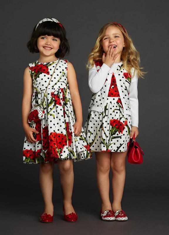 964e357e842 Яркое коллекционное летнее платье dolce   gabbana красные гвоздики  оригинал1 фото ...