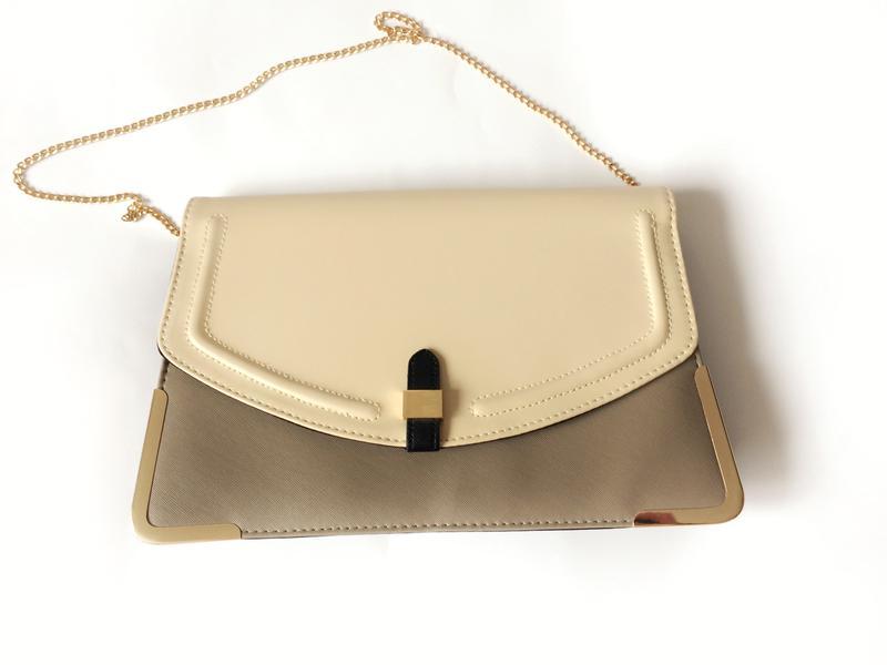 f3af298a81eb Стильная сумка клатч пудра +капучино, на золотой цепочке New Look ...