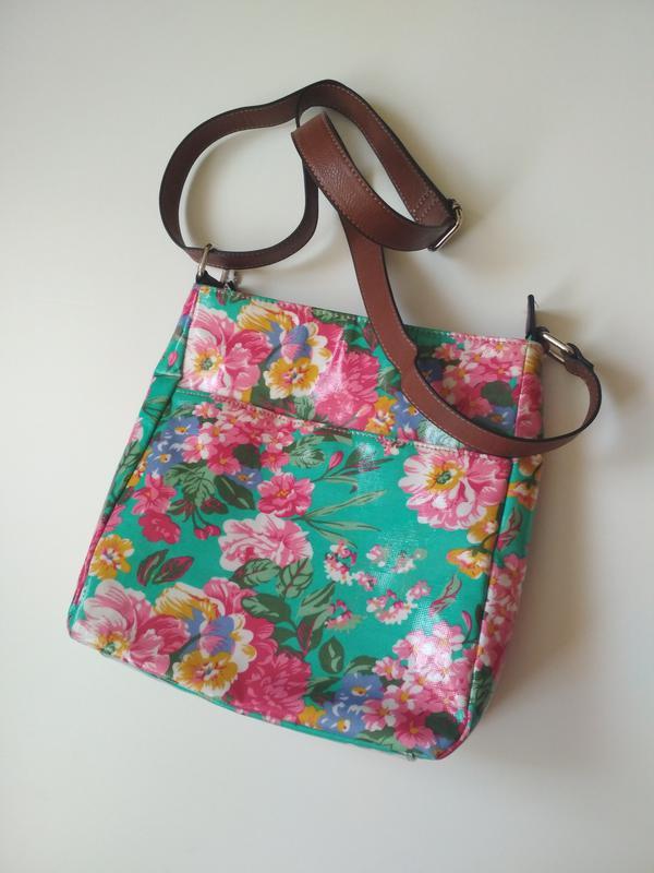 a8a0974d764f Яскрава сумочка через плече в квітковий прінт, цена - 85 грн ...