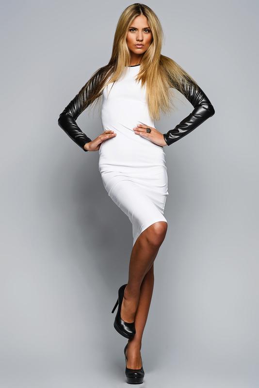 Платье кожаное белое фото