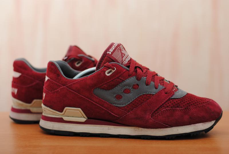 Красные замшевые мужские кроссовки saucony courageous 7c06e0cc342f1