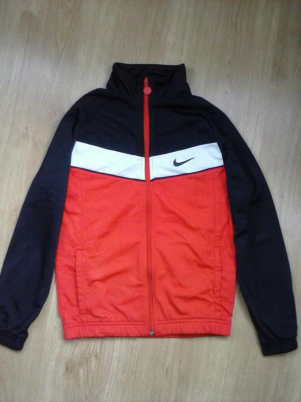 Продаю оригинальную мастерку nike на девочку 12 лет Nike, цена - 85 ... 374f7d8bfe5