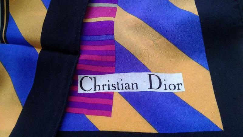 570100951d33 Винтажный шелковый платок christian dior (Christian Dior) за 600 грн.   Шафа