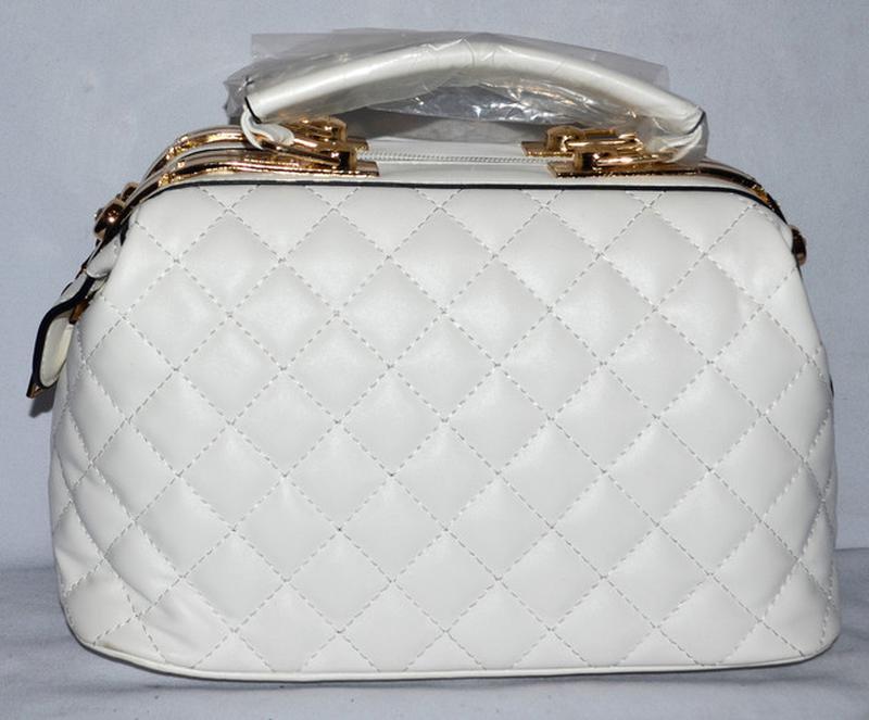 24611685ebc1 Женская белая сумка саквояж dovili с ремешком 26*16 см, цена - 390 ...