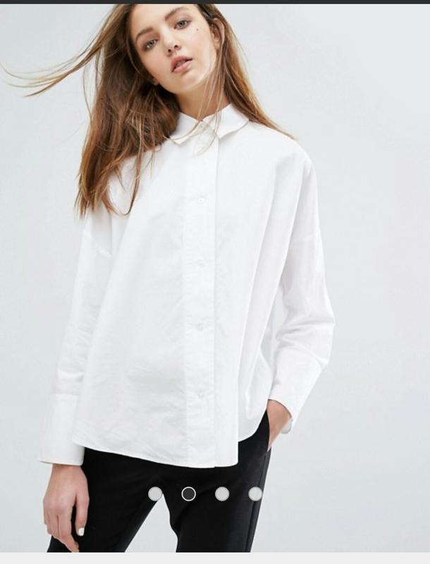 62a2e12ca69 ... Коттоновая белая рубашка оверсайз с широким складками на спине asos4  фото ...