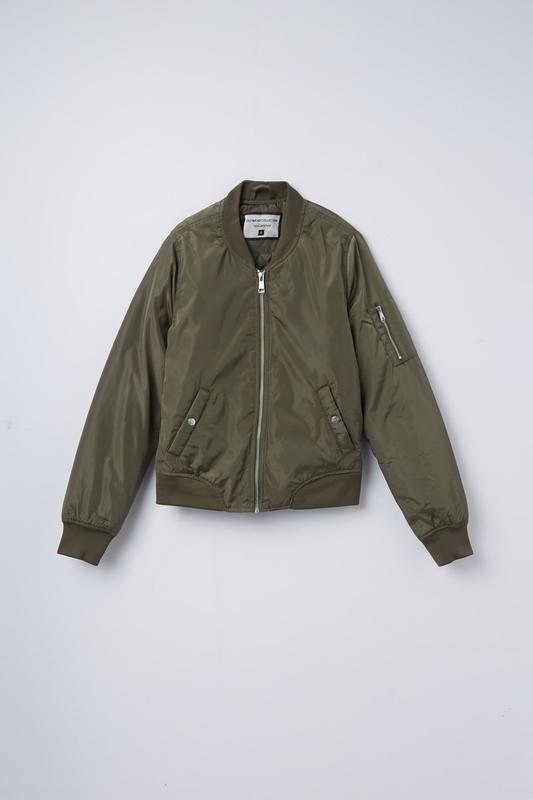 e4abdcd9408 Весенний бомбер куртка ветровка terranova Terranova