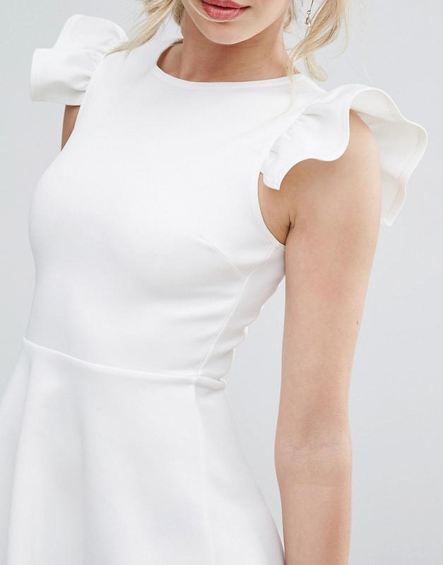 c71128bc2a0c34 Club l нарядне біле плаття хвилясті рукави, цена - 910 грн ...
