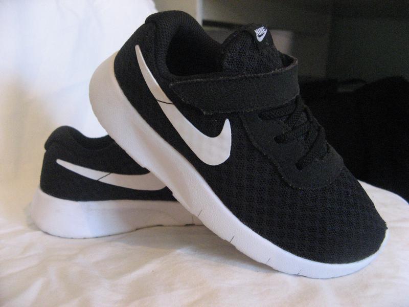 3b0c2e51 Кроссовки nike детские новые 27 размер по стельке 17 см Nike, цена ...