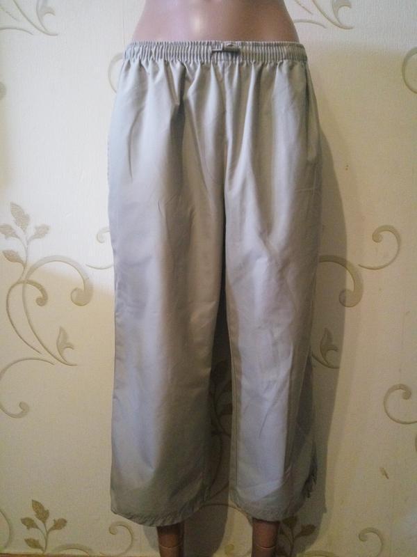 5c6e8398bc7a Спортивные штаны укороченные бриджи капри . reebok оригинал . Reebok ...