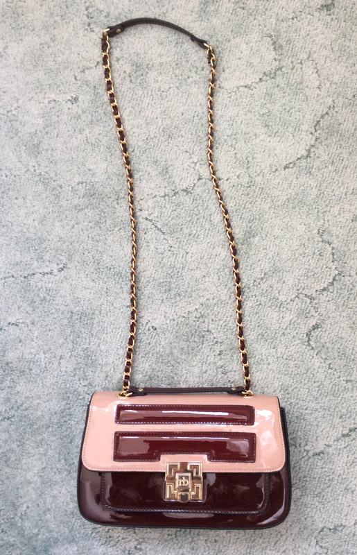 9aa4e5b7 ... Красивейшая итальянская лаковая сумка roccobarocco! оригинал!2 фото ...